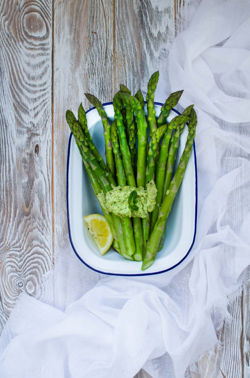 Asparagus with Cashew Mint Pesto