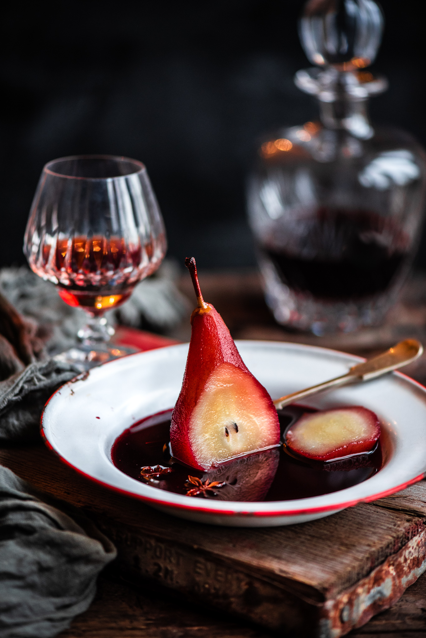 Poached Pears in Mulled Wine